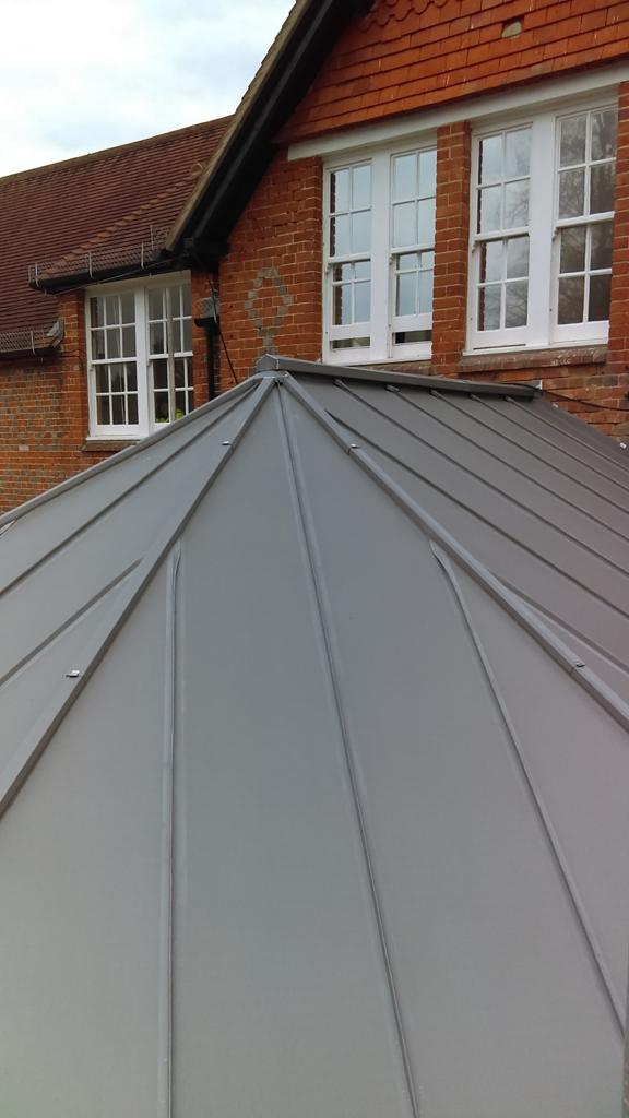 close-up-metal-roofing